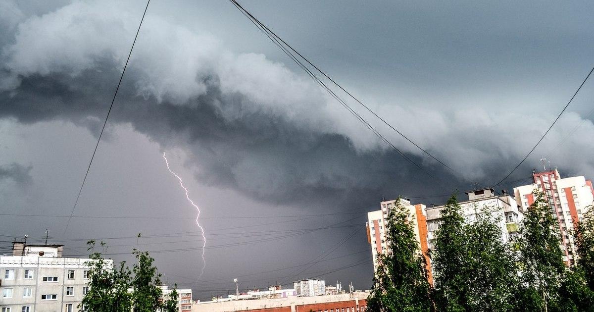 Жителей Адыгеи предупредили о ливне с грозой и градом