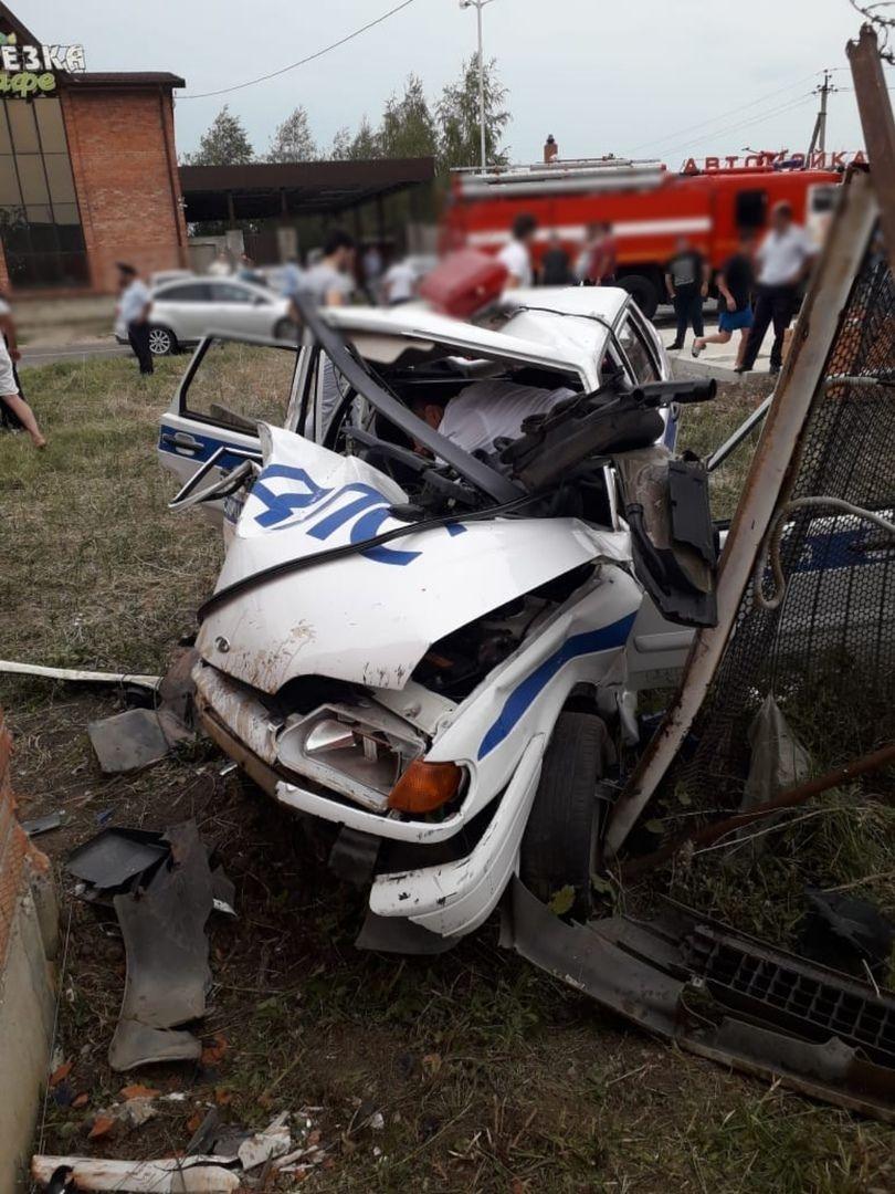 В Адыгее следователи начали проверку по факту столкновения иномарки и автомобиля ДПС
