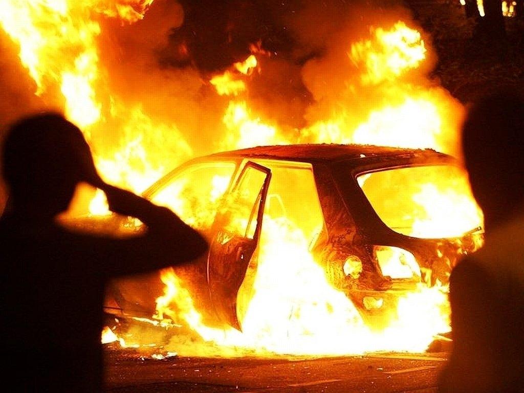 Житель Майкопа поджог имущество местного жителя и повредил автомобиль