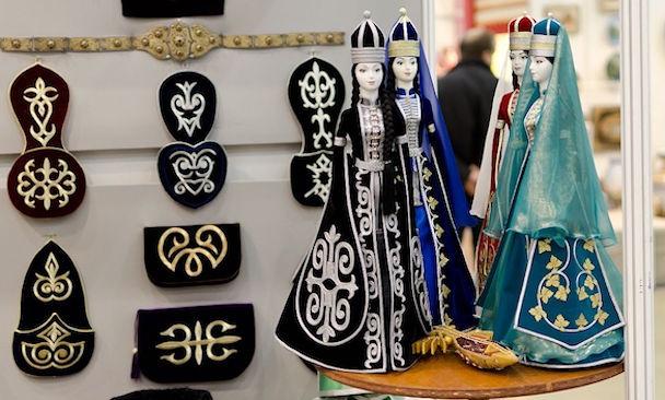 Отражение золотошвейного искусства в фольклоре адыгов (Героический эпос «Нарты»).