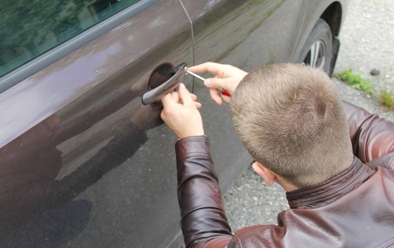 В Адыгее едва не совершилась кража автомобиля