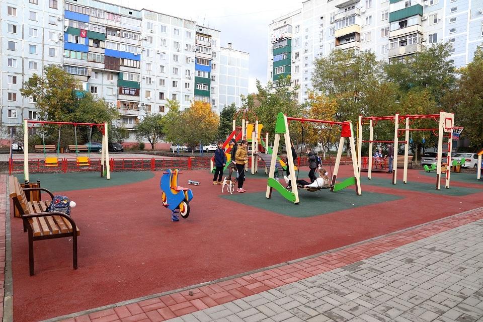 Опасность на детских площадках