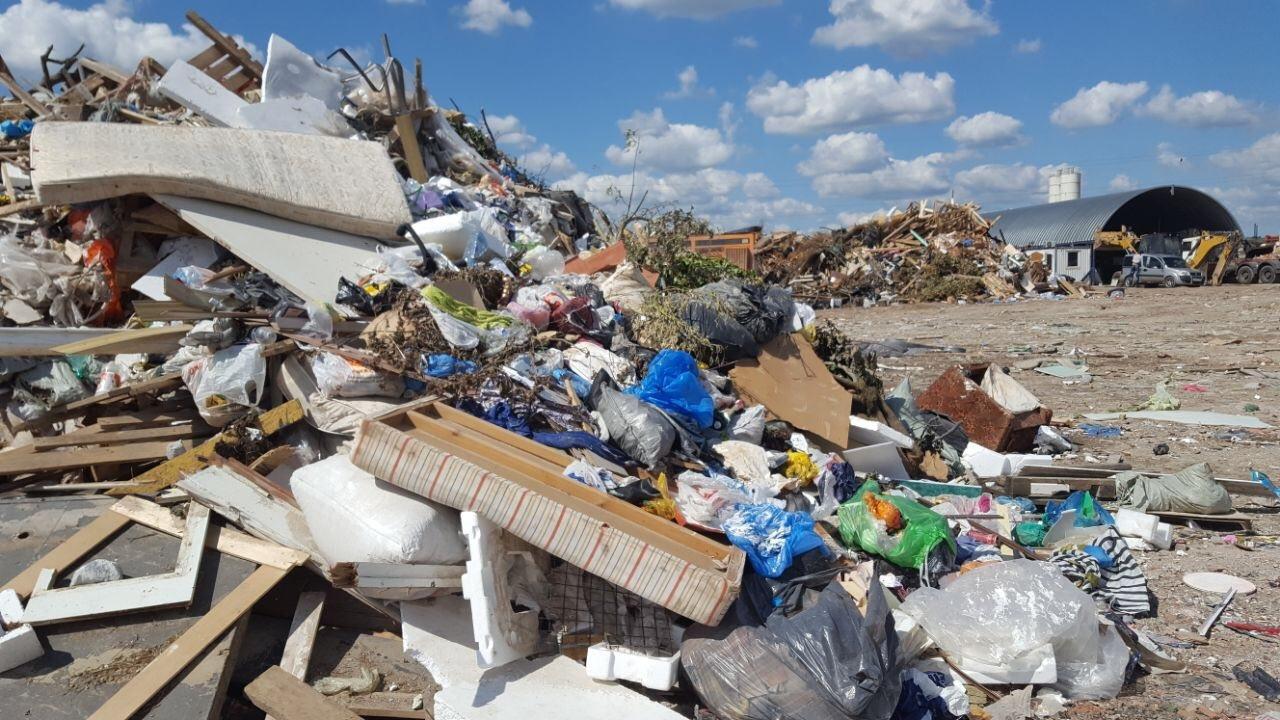 В Энеме предприниматель незаконно организовал свалку и собирал деньги за сбор мусора