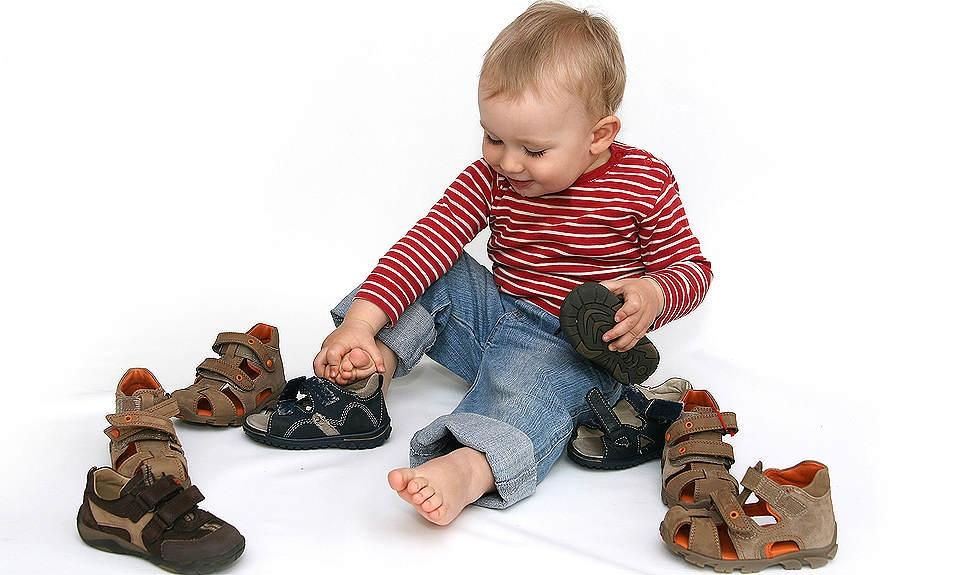 В Адыгее детей бесплатно обеспечат ортопедической обувью
