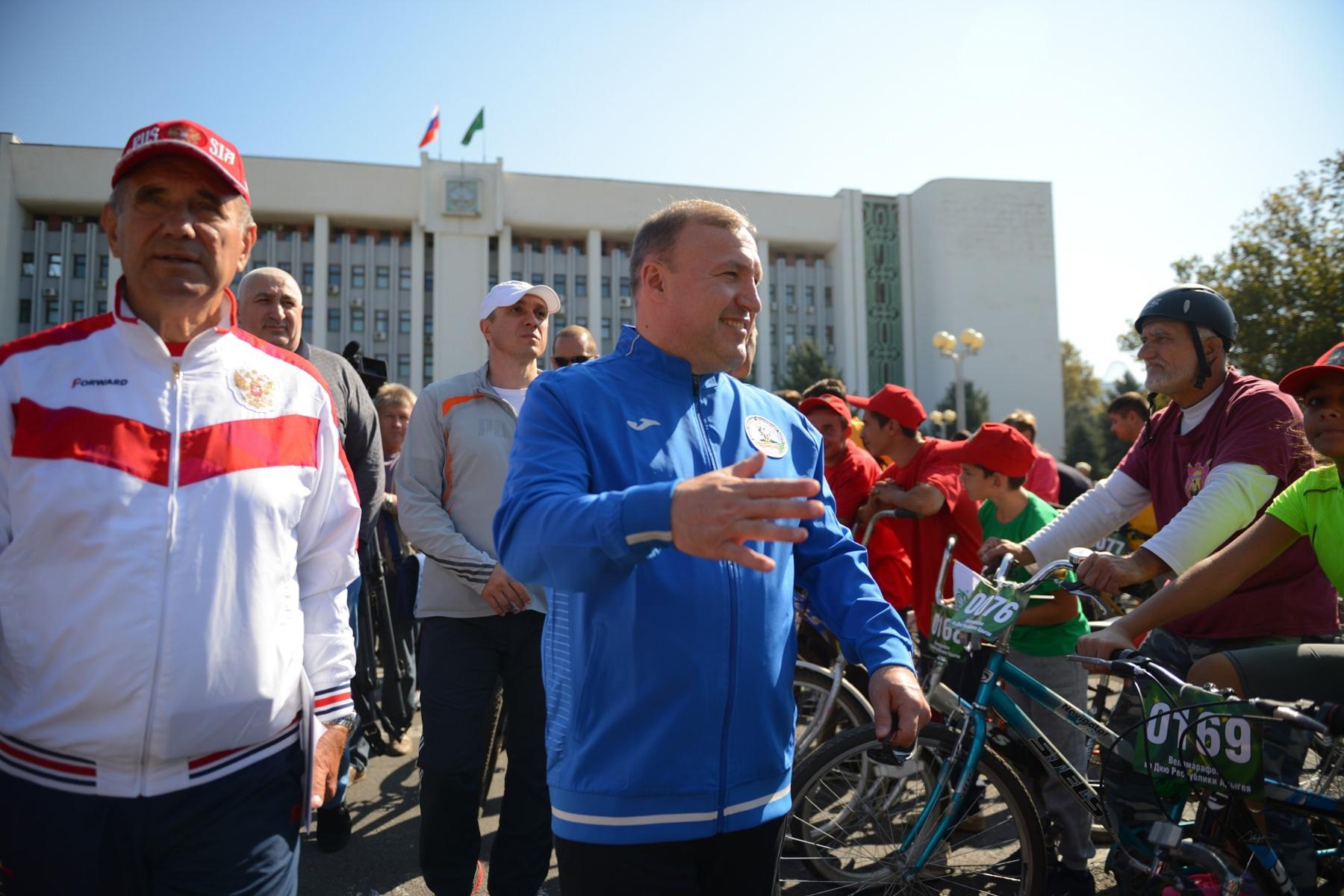 Глава Адыгеи принял участие в велопробеге, посвящённом Дню республики