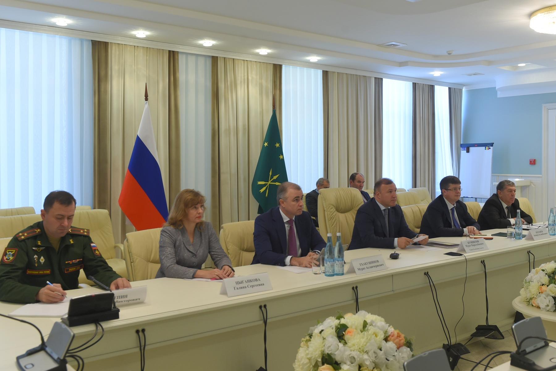 Министр обороны РФ дал высокую оценку взаимодействию с руководством Адыгеи по решению совместных задач