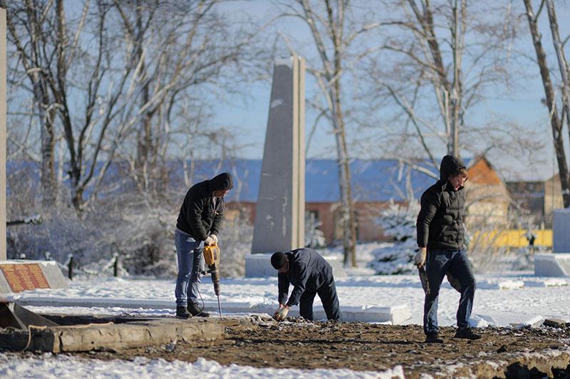 В Майкопе к марту отремонтируют мемориальный комплекс В Майкопе к марту отремонтируют мемориальный комплекс