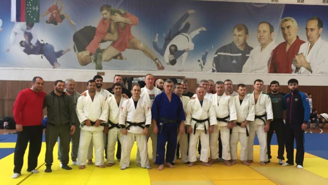 Более 400 дзюдоистов со всей России принимают участие в тренировочных сборах в Адыгее