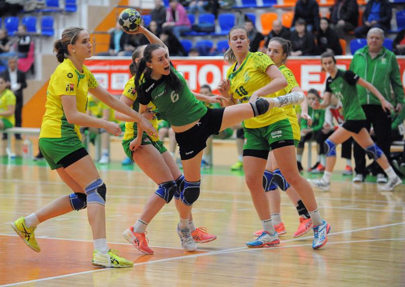 Гандболистки Адыгеи одержали победы в двух играх первенства России