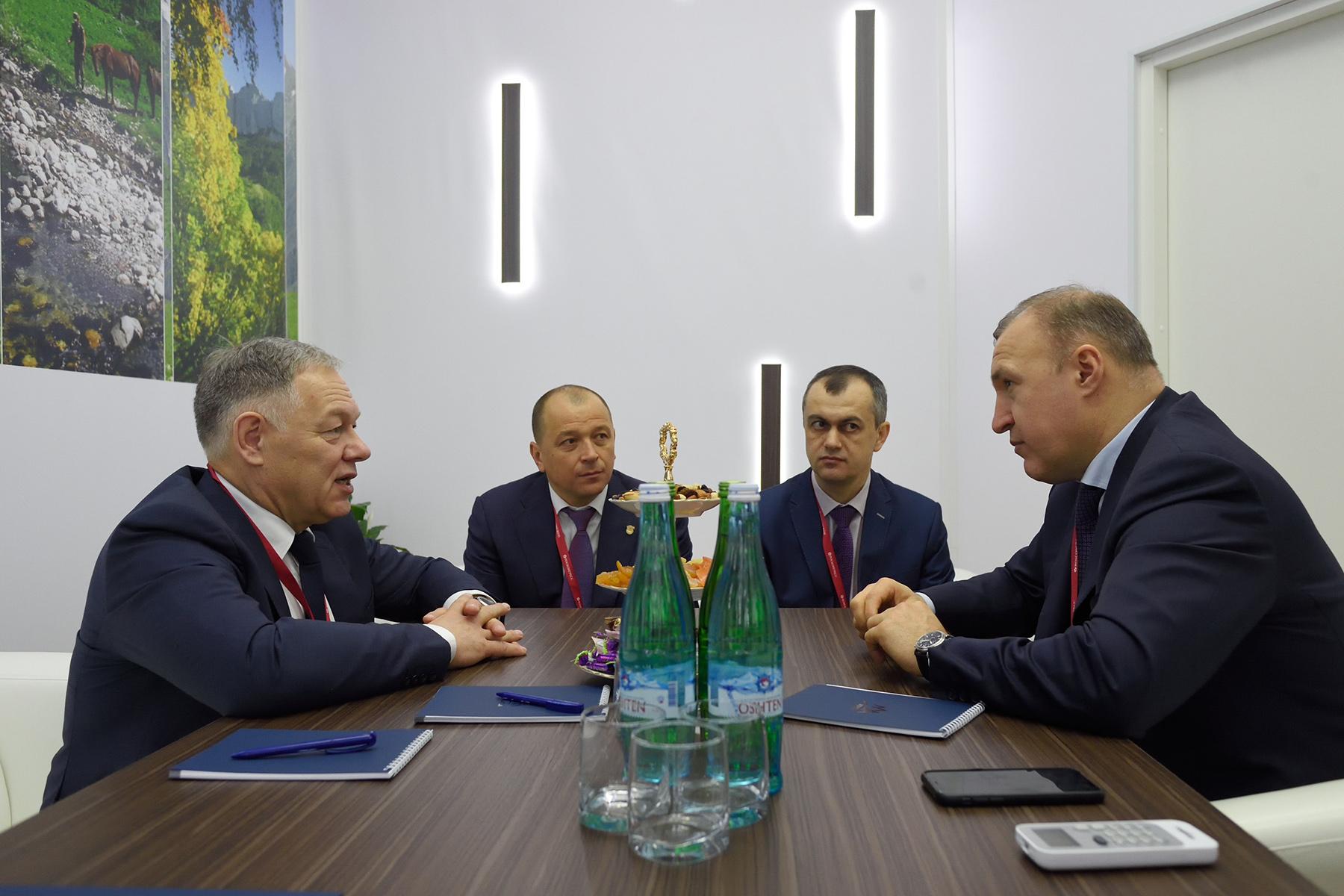 Глава Адыгеи провел переговоры с руководителем Автодора
