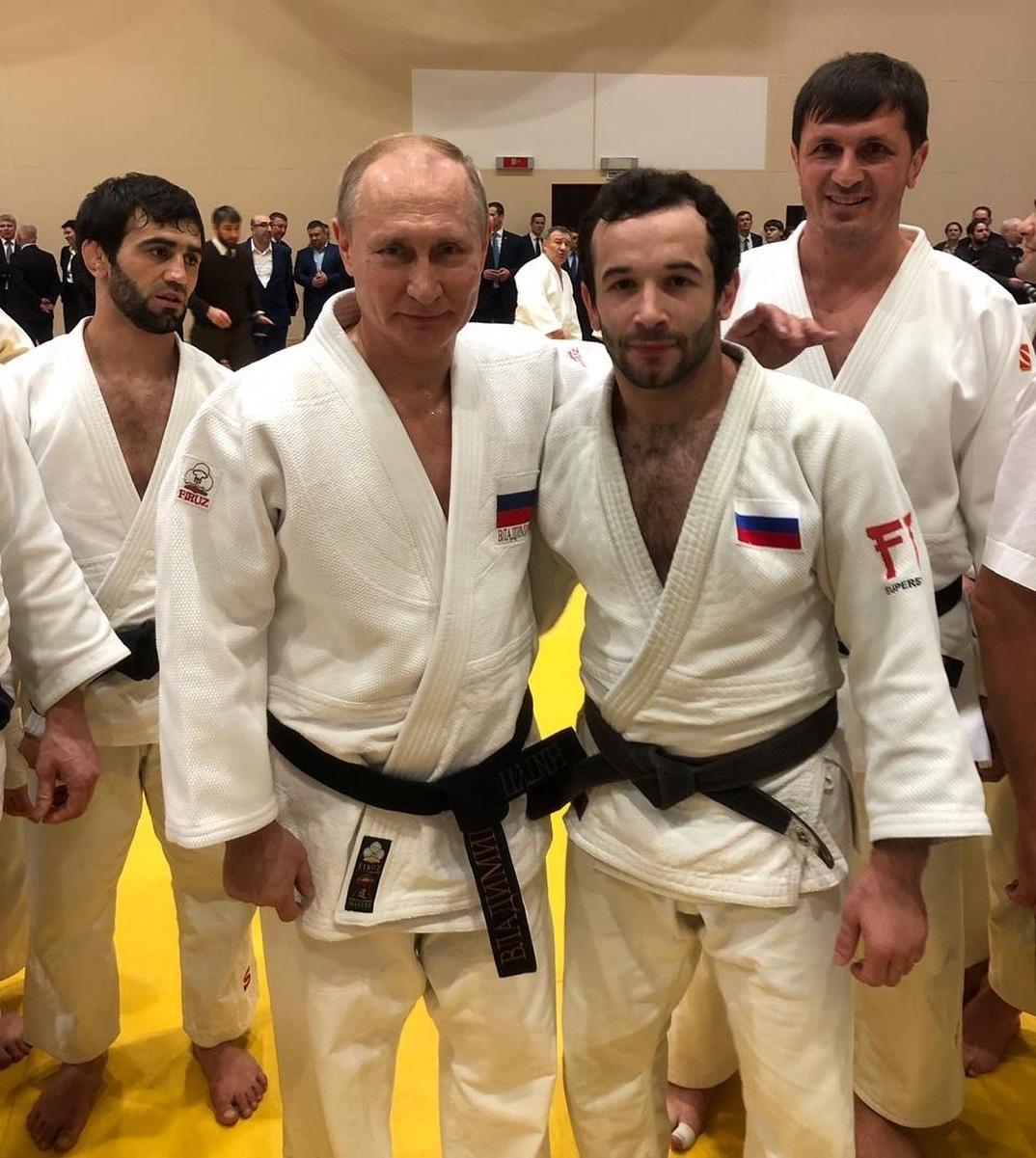 Президент РФ провел тренировку с дзюдоистами Адыгеи