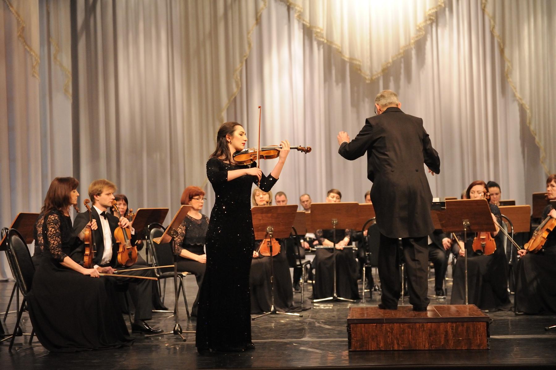 В Адыгее Симфонический оркестр выступит с дирижером и вокалистом из Финляндии