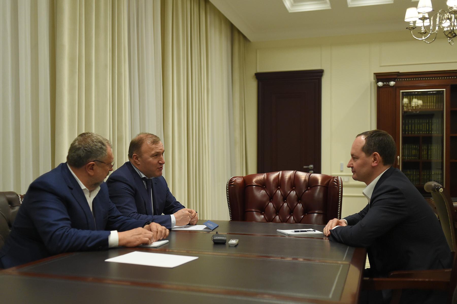 Глава Адыгеи и руководитель «Россетей» обсудили перспективы развития энергокомплекса региона