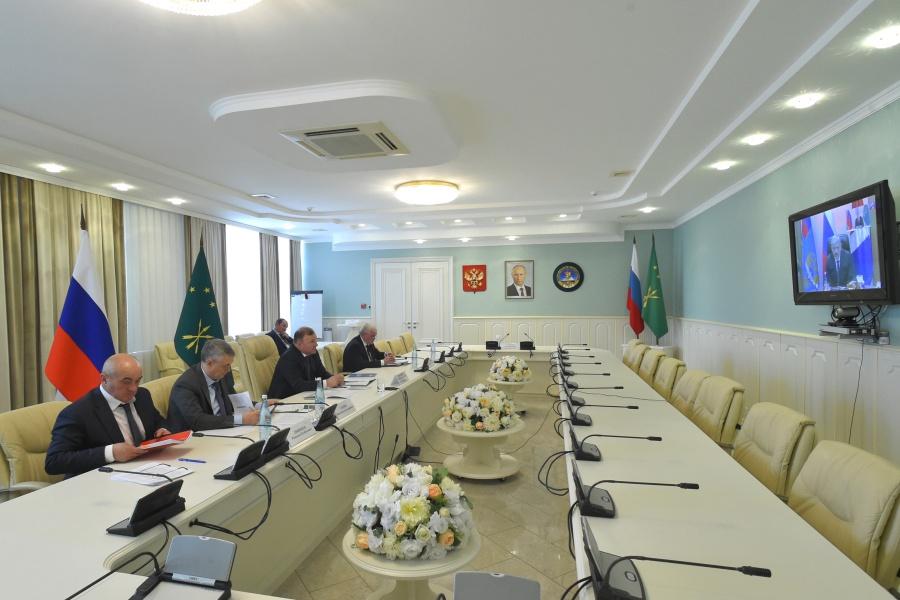 Министр транспорта РФ Евгений Дитрих провел видеоселектор с регионами
