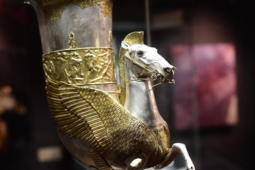 Древнейшие находки, обнаруженные в курганах близ аула Уляп ошеломили ученных