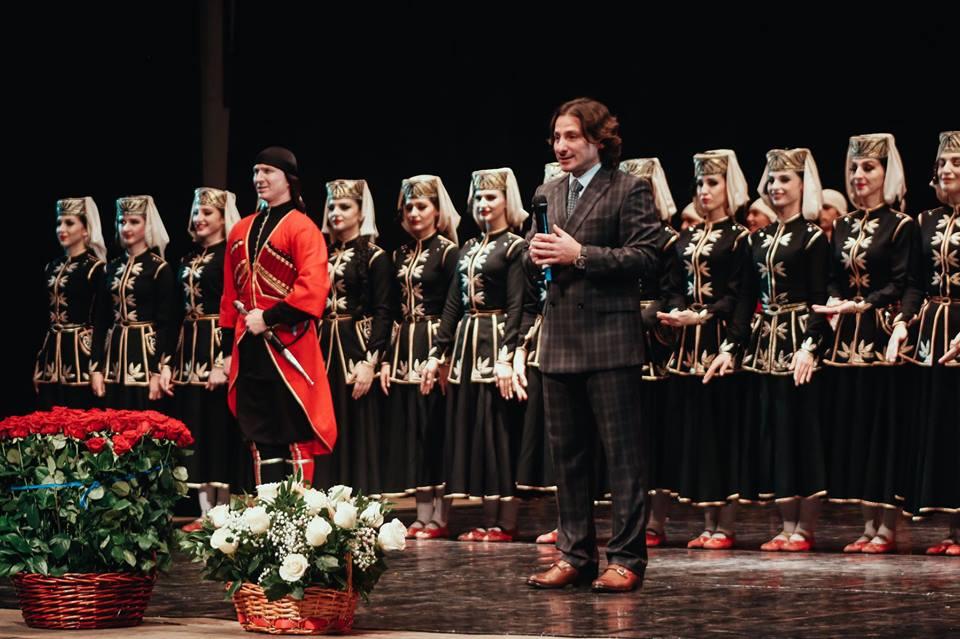 10 апреля в Абхазии состоялся сольный концерт Государственного академического ансамбля народного танца Адыгеи «Нальмэс».