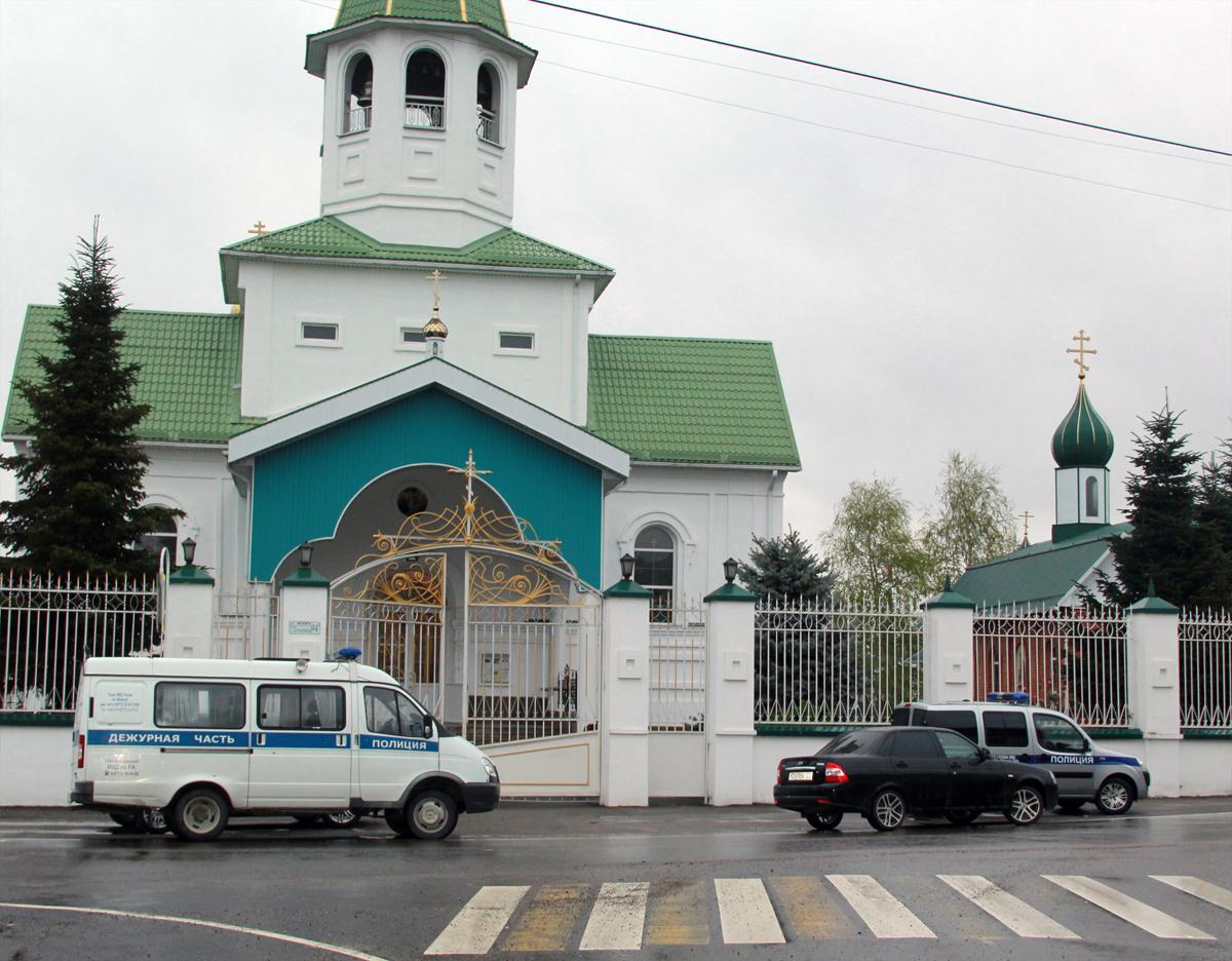 Полиция Адыгеи задержала подозреваемых в краже ювелирных изделий из Свято-Троицкого собора