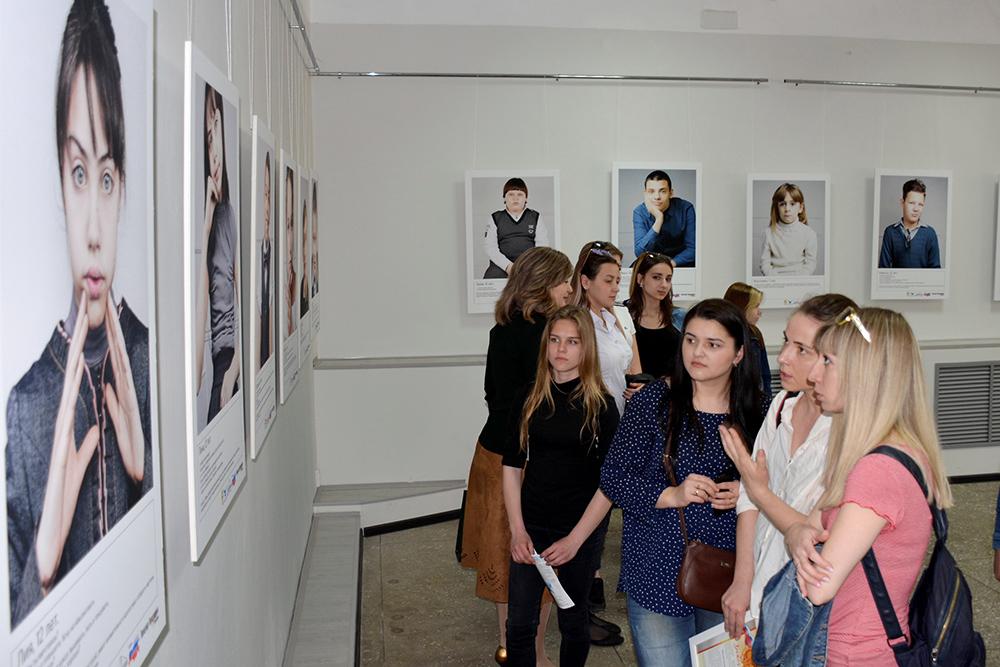 В Адыгее открылась фотовыставка к Международному дню борьбы за права инвалидов