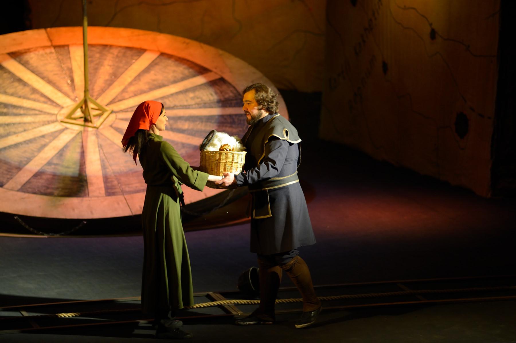 Национальный театр Адыгеи стал победителем в трех номинациях фестиваля «Кавказский меловой круг»