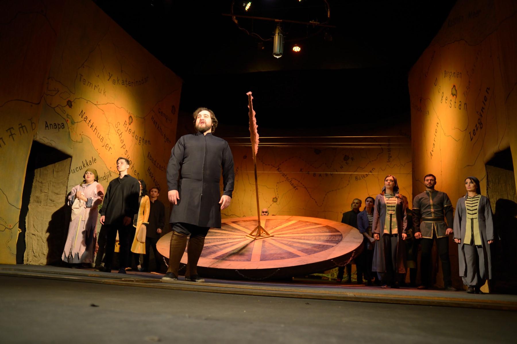 В Адыгее пенсионеры могут бесплатно посещать спектакли Национального театра республики