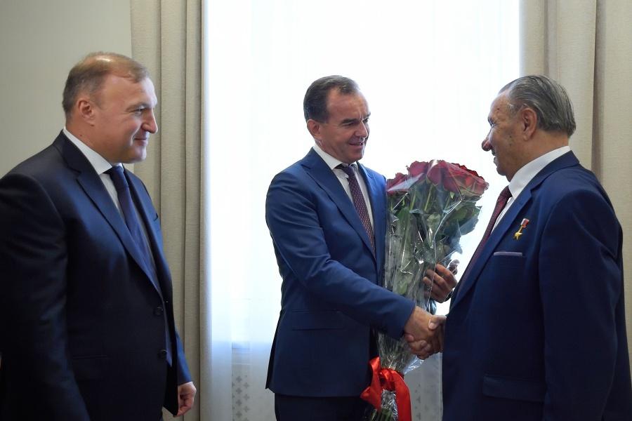 Глава Адыгеи и губернатор Краснодарского края поздравили Исхака Машбаша с днем рождения