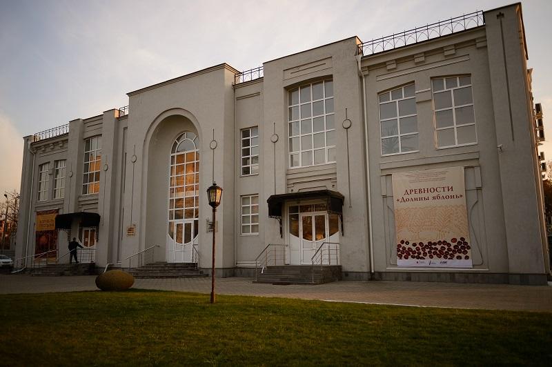 «Священный котел нартов» займет место в постоянной экспозиции музея Востока в Адыгее