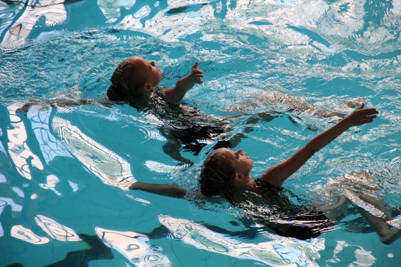 Спортсменки из Адыгеи завоевали награды открытого первенства по синхронному плаванию