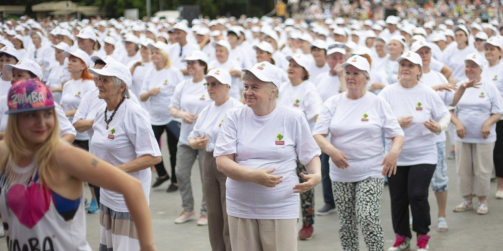 В Адыгее более 200 пенсионеров станцуют зумбу на танцевальном марафоне