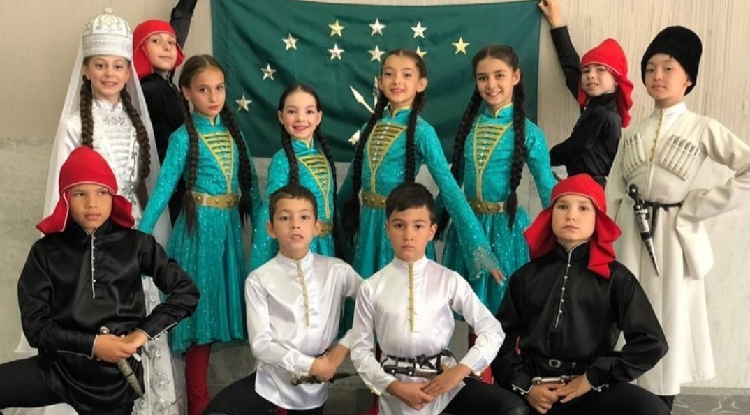 Ансамбль народного танца Адыгеи стал обладателем гран-при двух международных фестивалей