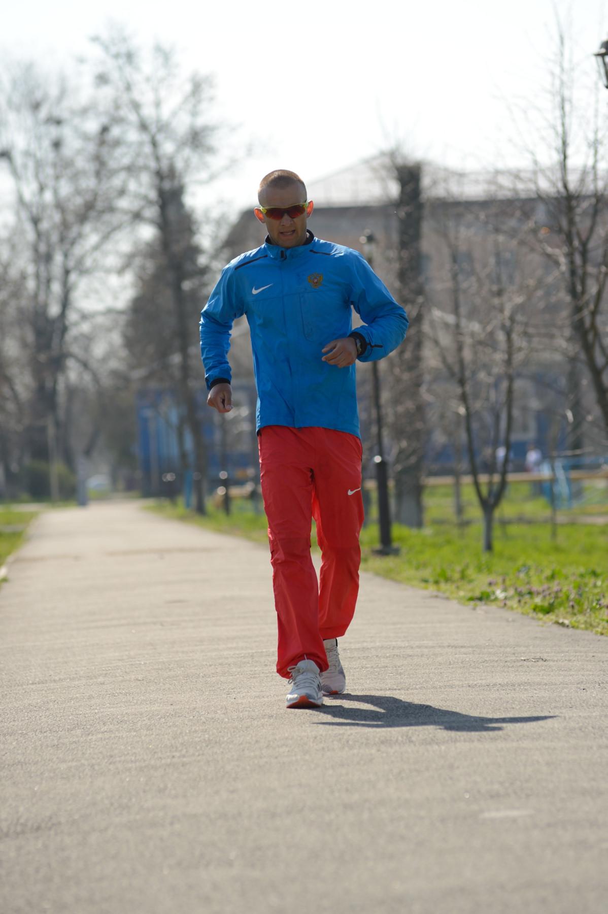 Легкоатлет из Адыгеи начал 96-часовой забег на мировой рекорд