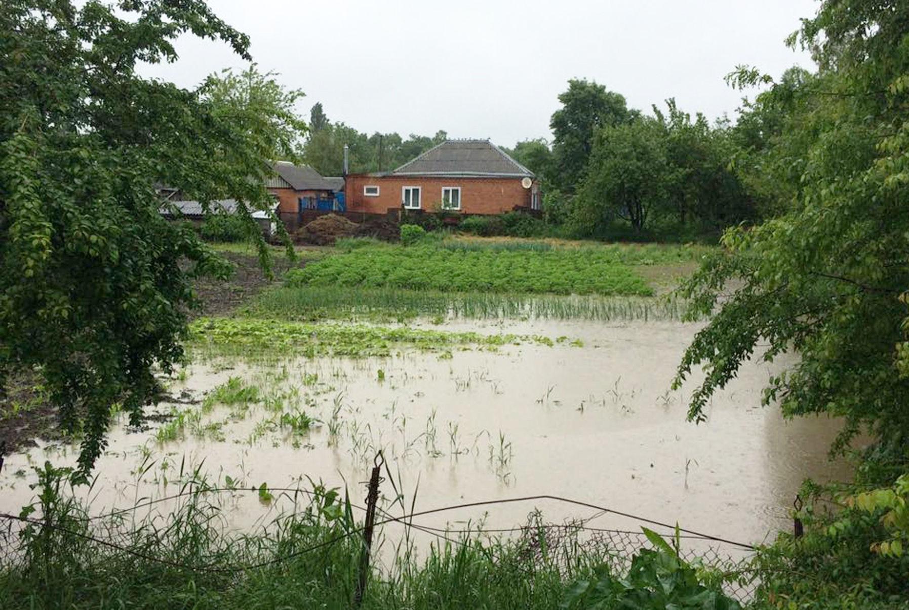 Дождевой паводок подтопил более 40 дворовых территорий в Адыгее