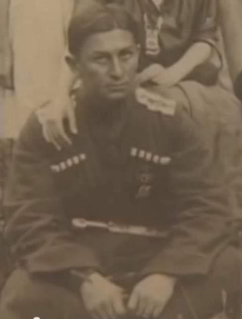 Кучук Улагай - штандартенфюррер СС