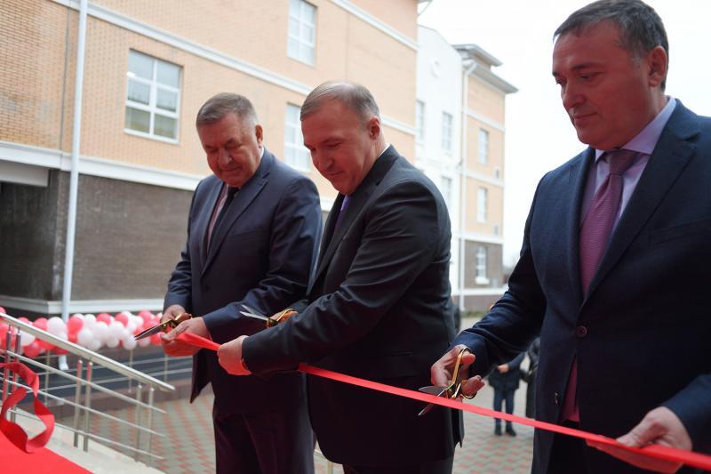 В Адыгее открылась новая современная школа на 1100 ученических мест