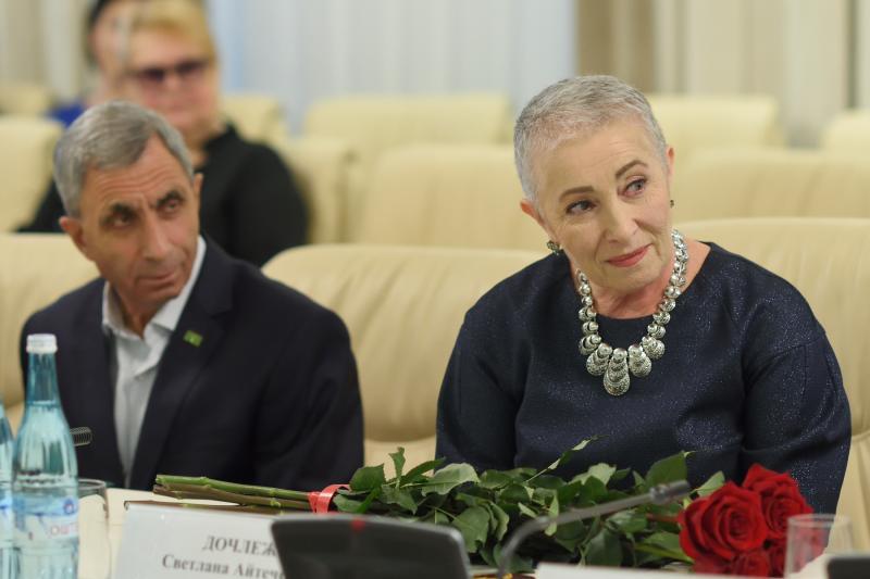 Глава Адыгеи вручил премии в области журналистики