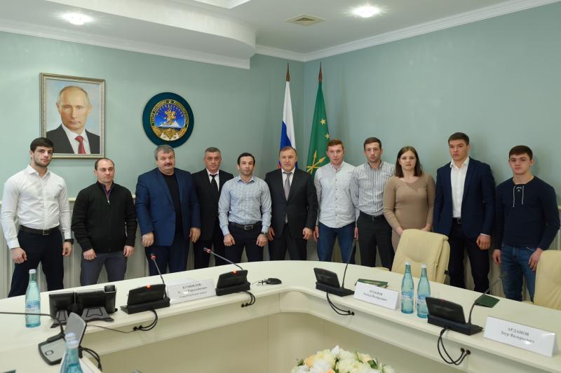 Глава Адыгеи поздравил сборную команду республики по дзюдо с успешным выступлением на Кубке России