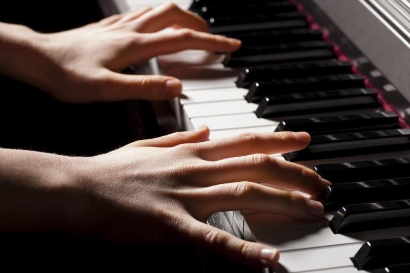 Лекция-концерт «Шедевры вокальной и фортепианной музыки» пройдет в Национальной библиотеке Адыгеи