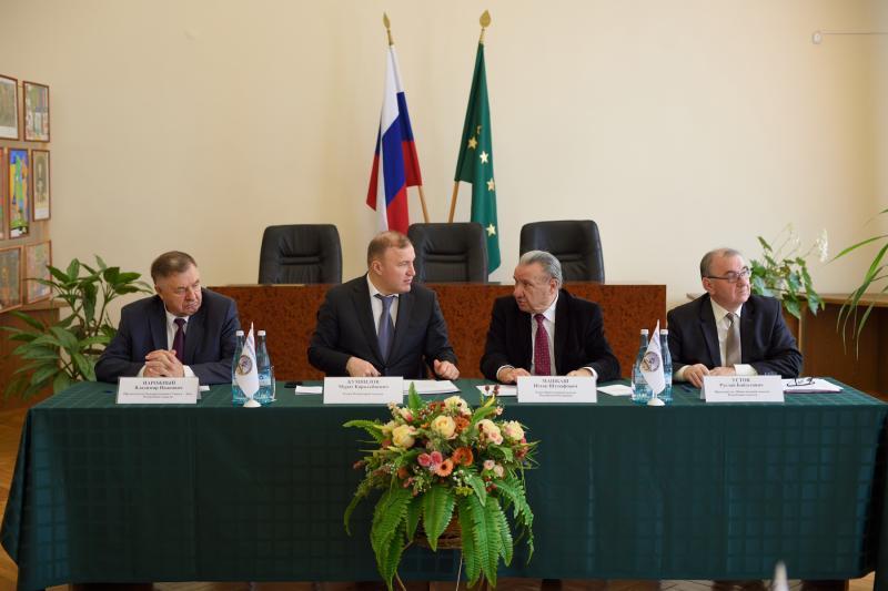 Глава Адыгеи обозначил основные ориентиры в работе Общественной палаты региона на 2020 год