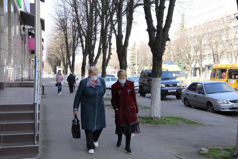 В Адыгее пенсионеров переводят на самоизоляцию