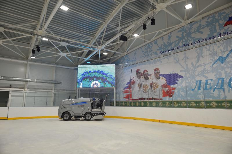 В Майкопе в апреле откроют ледовую арену