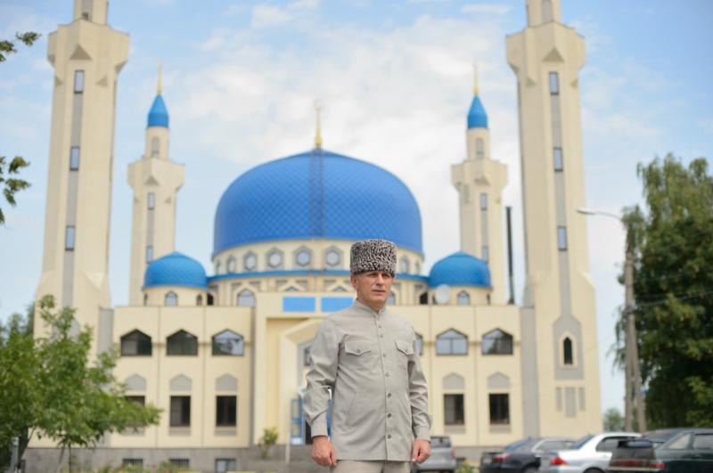Муфтий Республики Адыгея и Краснодарского края Аскарбий Карданов призвал верующих соблюдать самоизоляцию в праздник