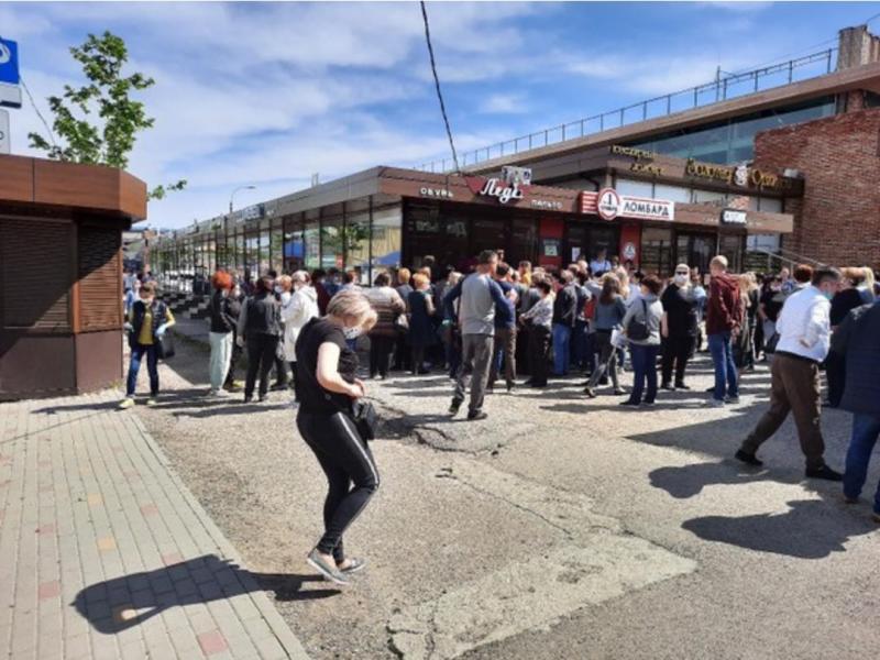 Центральный рынок Майкопа откроется после обследования продавцов на covid-19