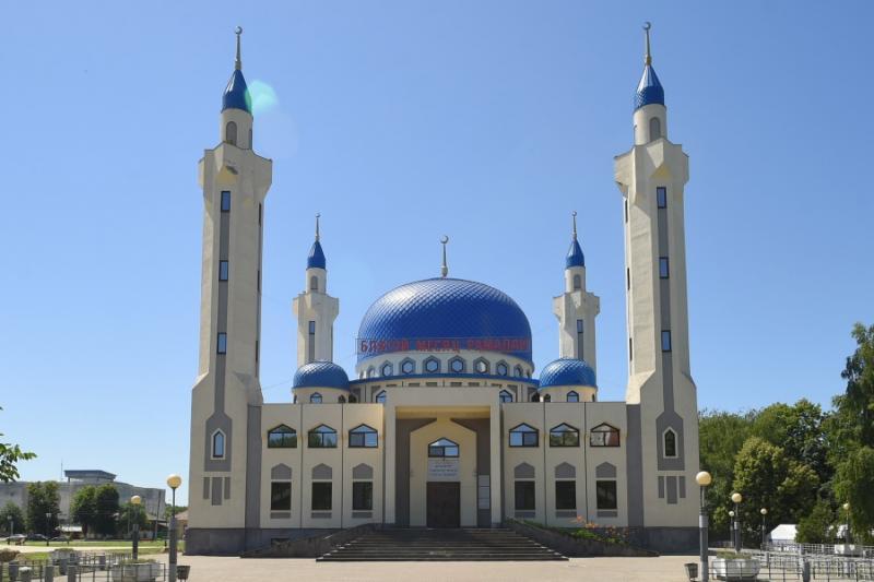 Глава Адыгеи поздравил мусульман с праздником Ураза-байрам