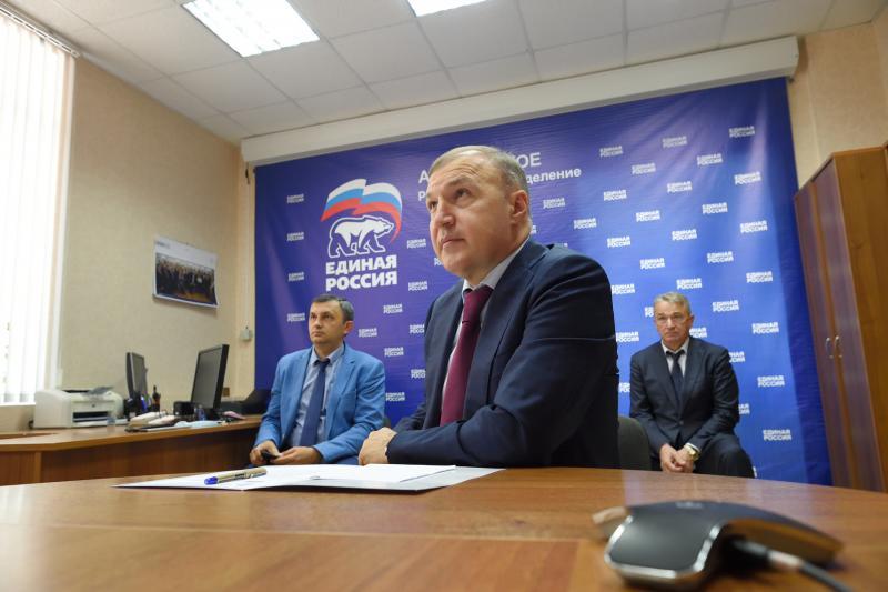 Глава Адыгеи принял участие в расширенном заседании совета руководителей фракций партии «Единая Россия»