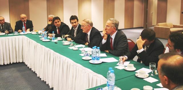 Главу «Федерации черкесских обществ» Турции обвинили в работе на ЦРУ