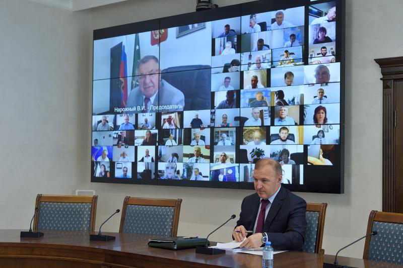 Мурат Кумпилов указал на важность депутатского контроля при реализации нацпроектов