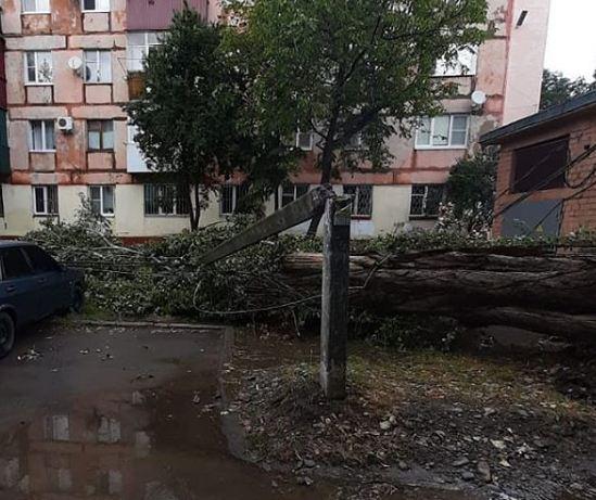 Сильные дожди с градом и шквалистым ветром продолжатся в Адыгее
