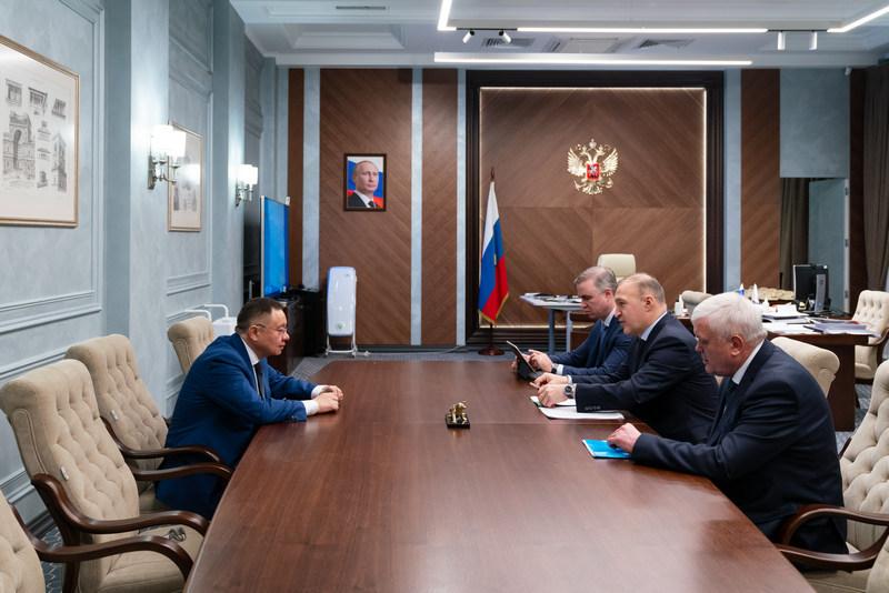 Министр строительства и ЖКХ РФ и глава Адыгеи обсудили реализацию в республике отраслевых нацпроектов