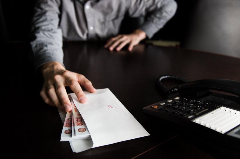 В Адыгее начальник энергоорганизации подозревается в коммерческом подкупе