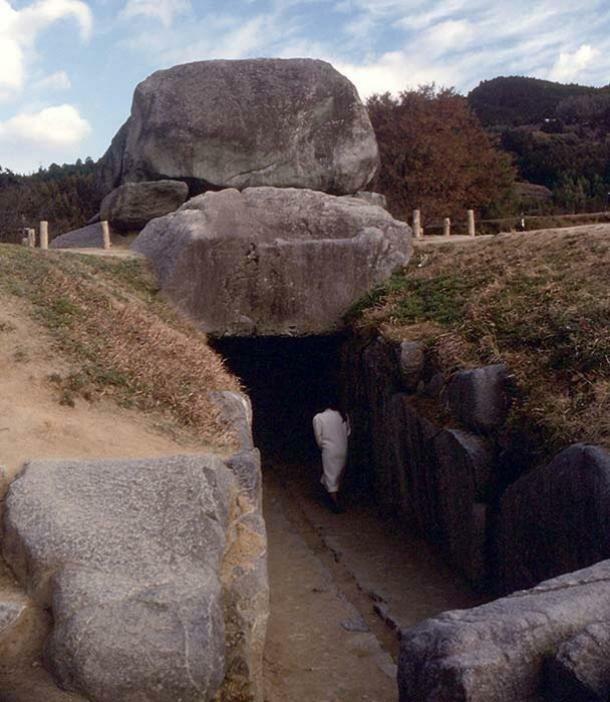 Археологи нашли в кургане японский меч VI века