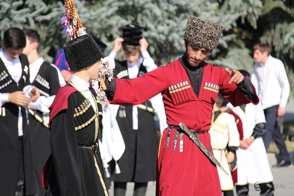 Приветсвия в традициях черкесов